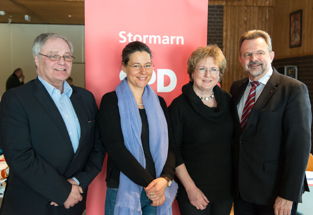 v.l.n.r.: Reinhard Mendel, Nina Scheer, Rita Thönnes, SPD Bundestagsabgeordneter Franz Thönnes