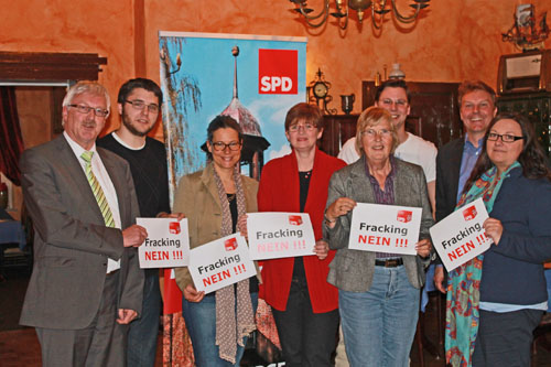 v.l.n.r.: Jens Meyer, David Welsch, Nina Scheer (Bundestagskandidatin), Kirsten Niemann, Annemarie Argubi-Sievers, Fabian Harbrecht, Olaf Schulze, MdL; Maja Bienwald.
