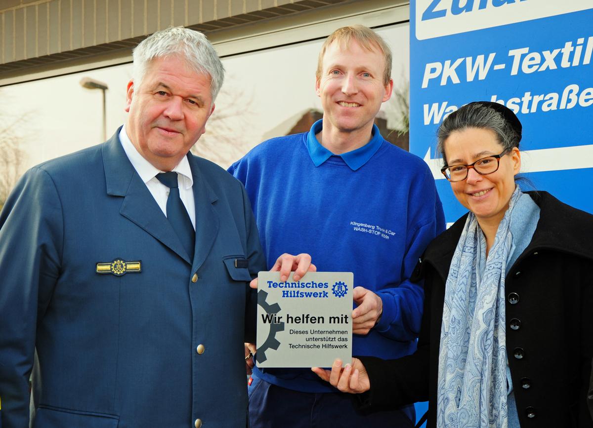 Arbeitgeberehrung Fa. Klingenberg in Mölln; v.l.: THW-Präsident Albrecht Broemme, Uwe Klingenberg (Fa. Klingenberg), MdB Dr. Nina Scheer