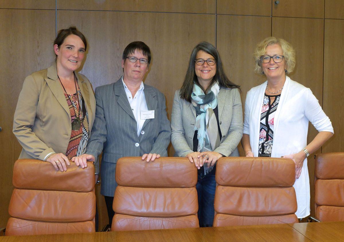 Foto v.l.: Sandra Hansen, Gisela Bente-Lorenzen, Nina Scheer, Anja Nowatzky